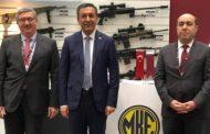 نائب وزير الدفاع التركي  يتفقد القاعدة العسكرية التركية في قطر